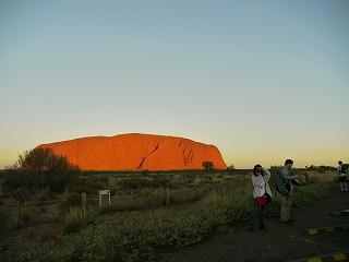 オーストラリア3日目その2〜ウルル(エアーズロック)で夕日を見てきました